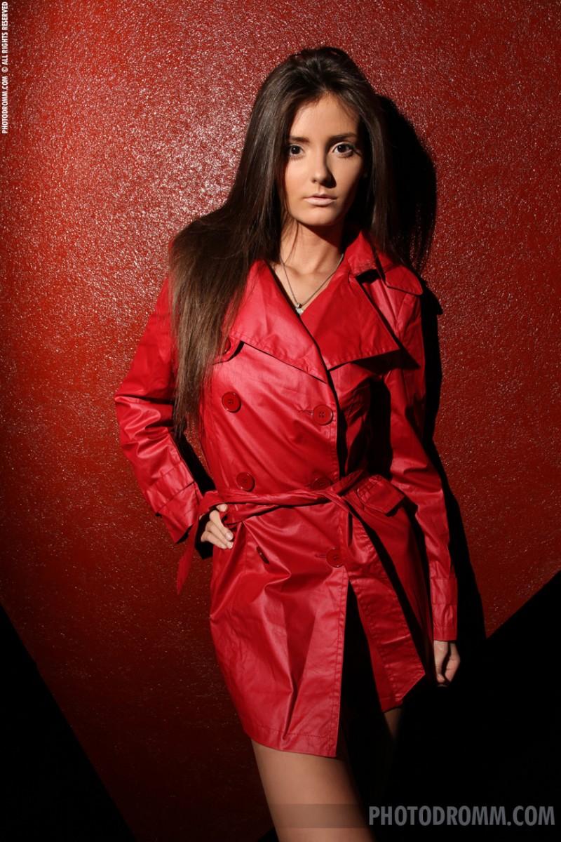 barbara-red-coat-photodromm-01