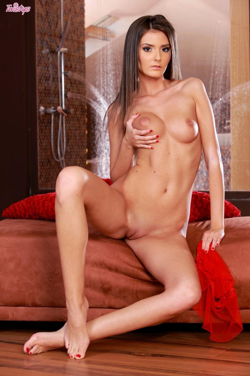 barbara-red-lingerie-twistys-08