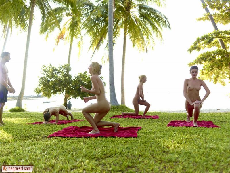 cox-thea-flora-zaika-beach-fitness-hegre-art-03