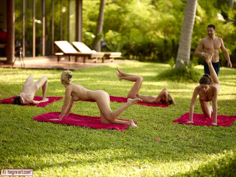 cox-thea-flora-zaika-beach-fitness-hegre-art-14