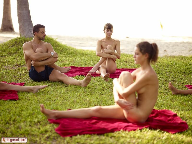 cox-thea-flora-zaika-beach-fitness-hegre-art-18
