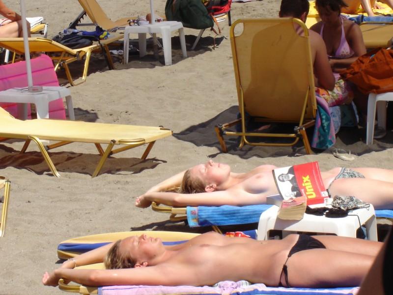 beach-girls-vol4-topless-nude-18