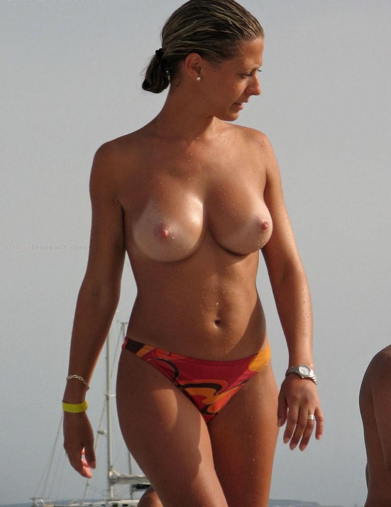 beach-girls-vol4-topless-nude-20