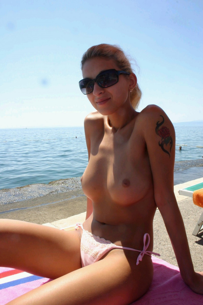 nude girls amateur beach