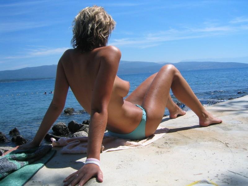 beach-girls-vol4-topless-nude-38