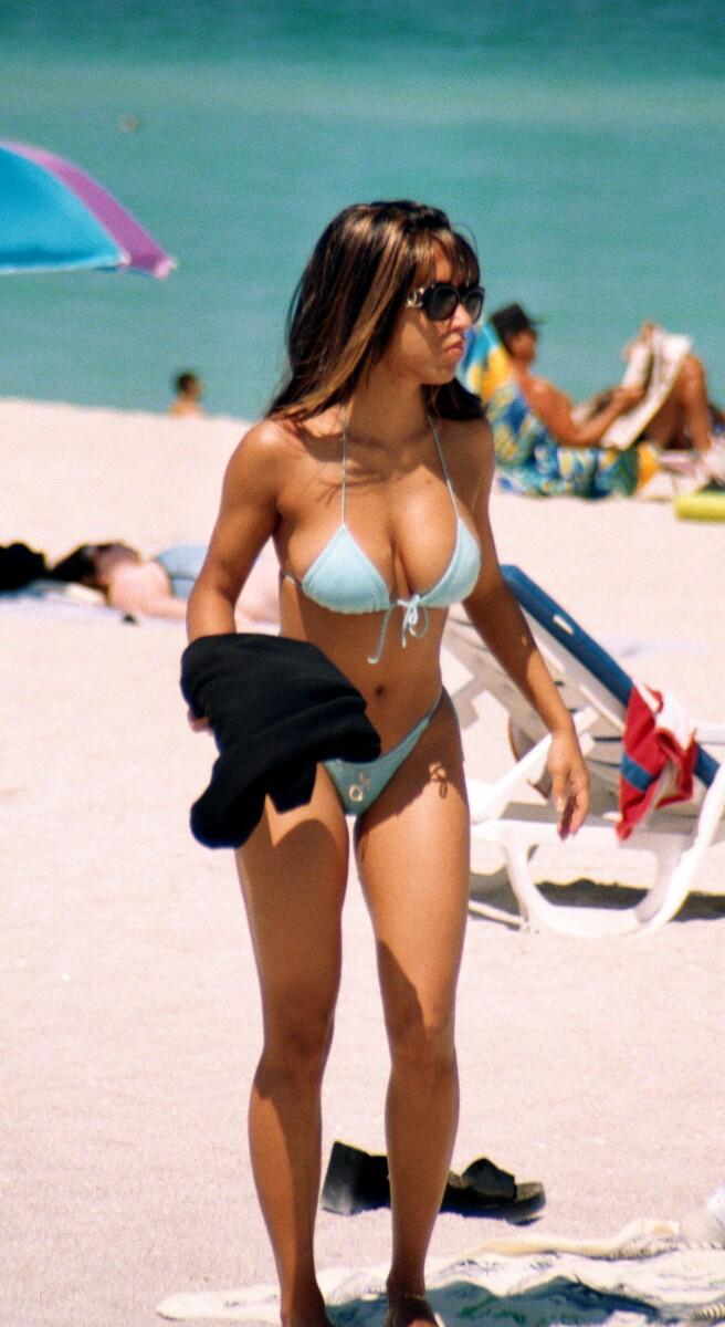 beach-girls-vol4-topless-nude-50