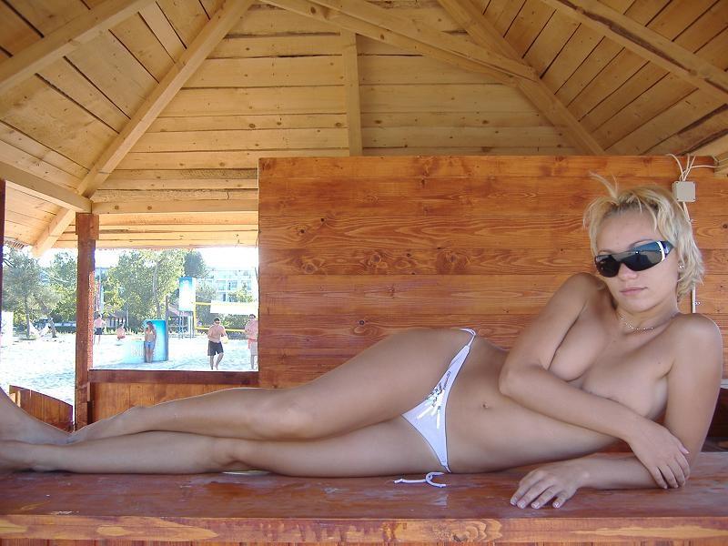 beach-girls-vol4-topless-nude-55