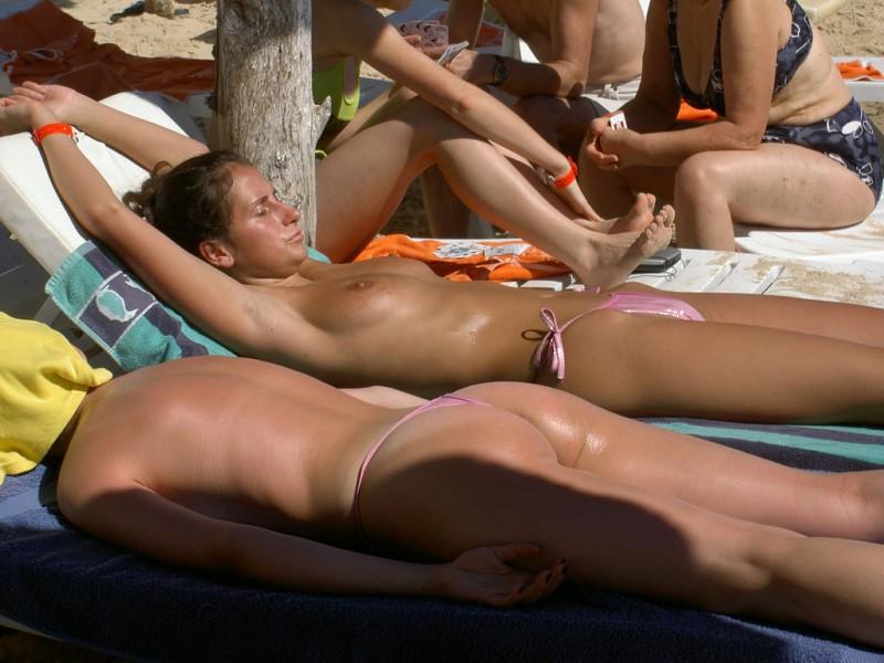 beach-girls-vol4-topless-nude-57