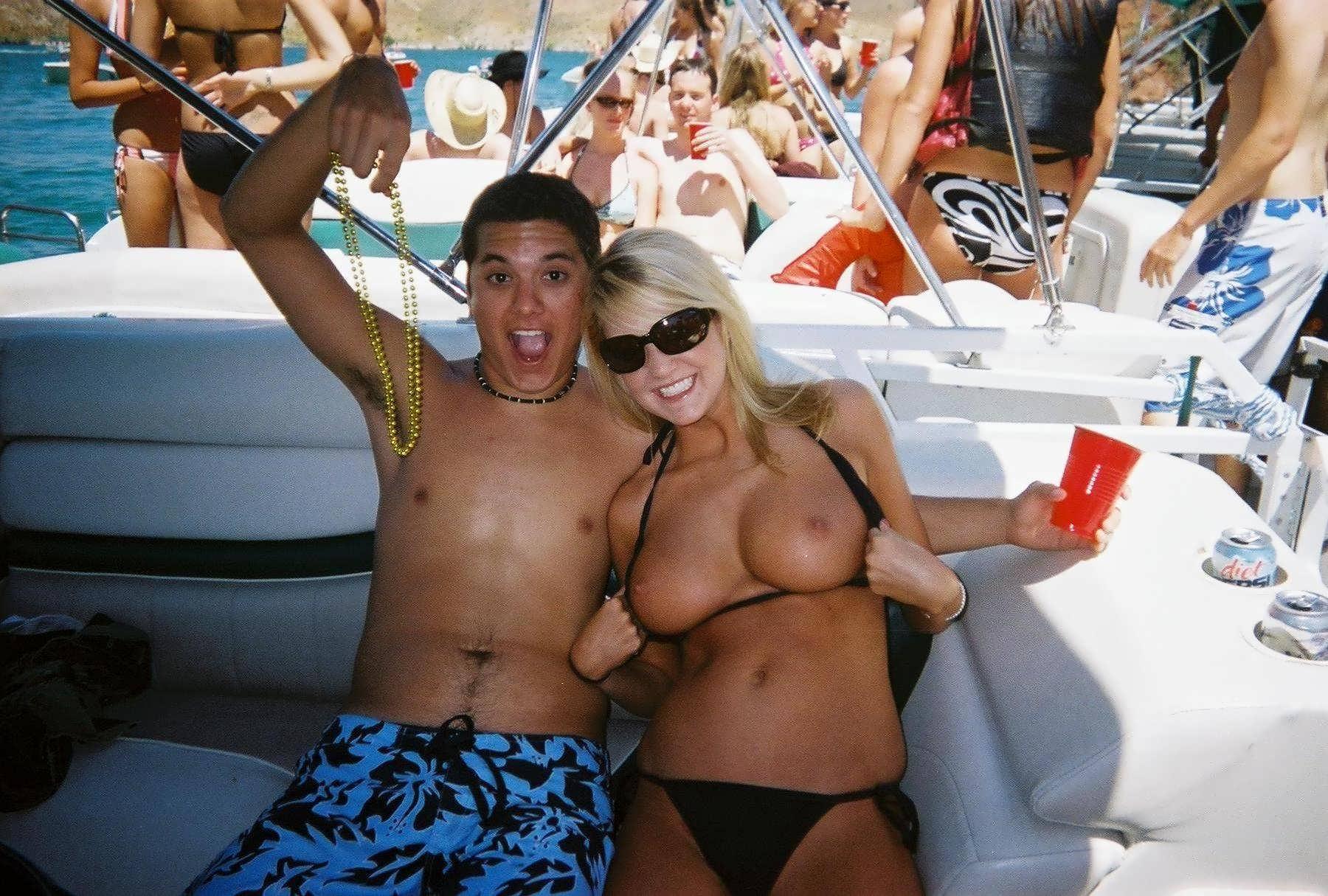 beach-girls-vol4-topless-nude-61