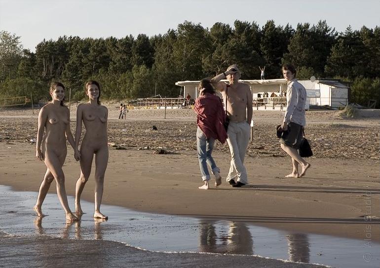 beach-girls-vol4-topless-nude-62