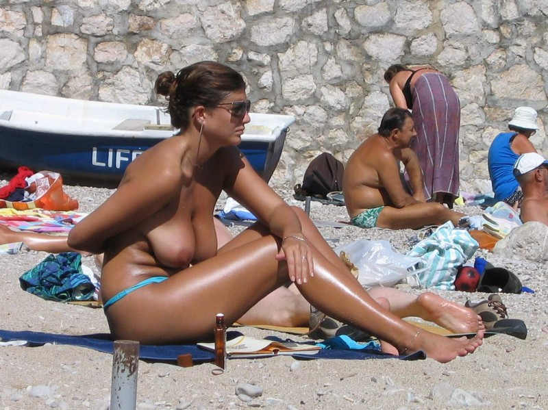 beach-girls-vol4-topless-nude-91