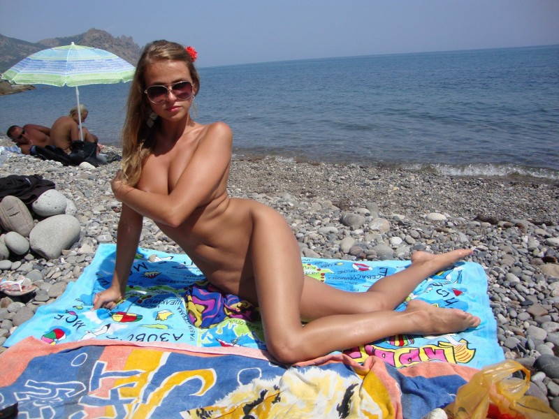 beach-girls-vol5-nudists-seaside-21