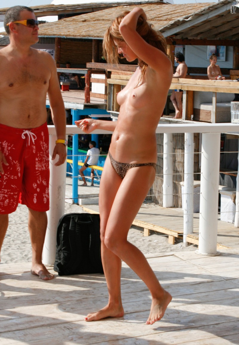 beach-girls-vol5-nudists-seaside-25
