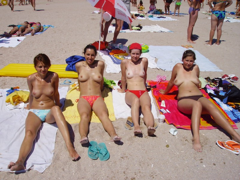 beach-girls-vol5-nudists-seaside-37