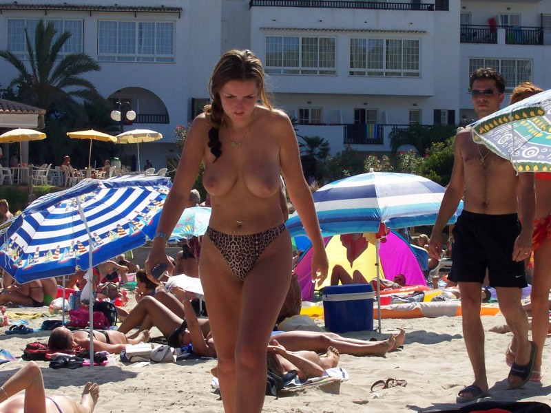 beach-girls-vol5-nudists-seaside-40