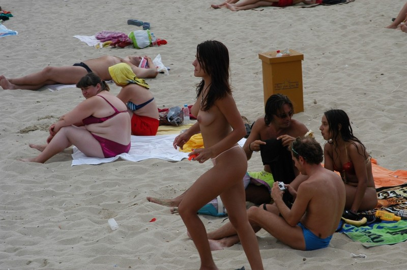 beach-girls-vol5-nudists-seaside-43