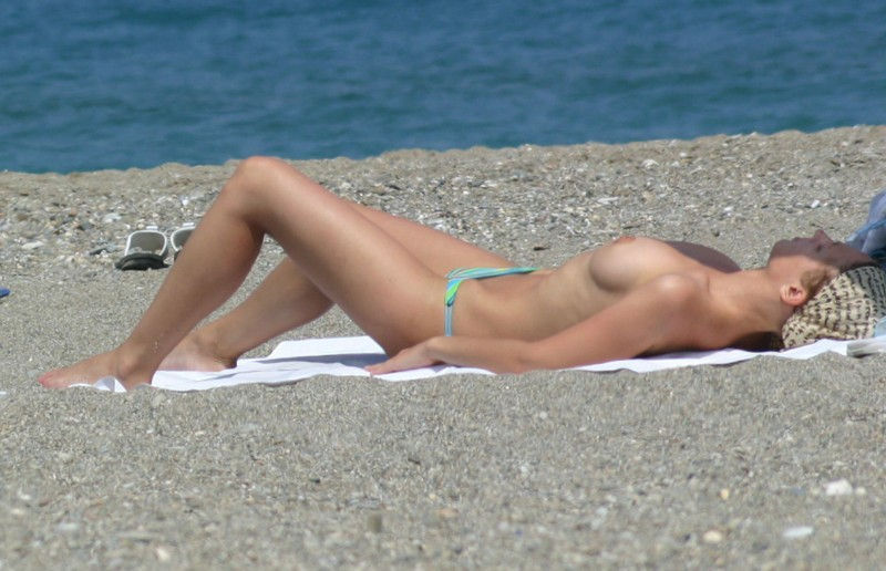 beach-girls-vol5-nudists-seaside-44