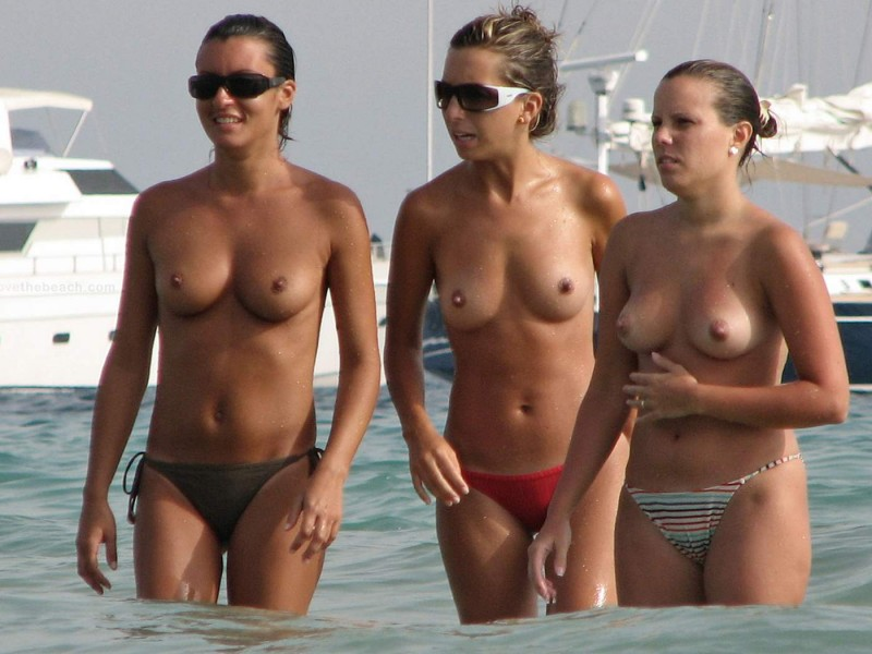 beach-girls-vol5-nudists-seaside-48