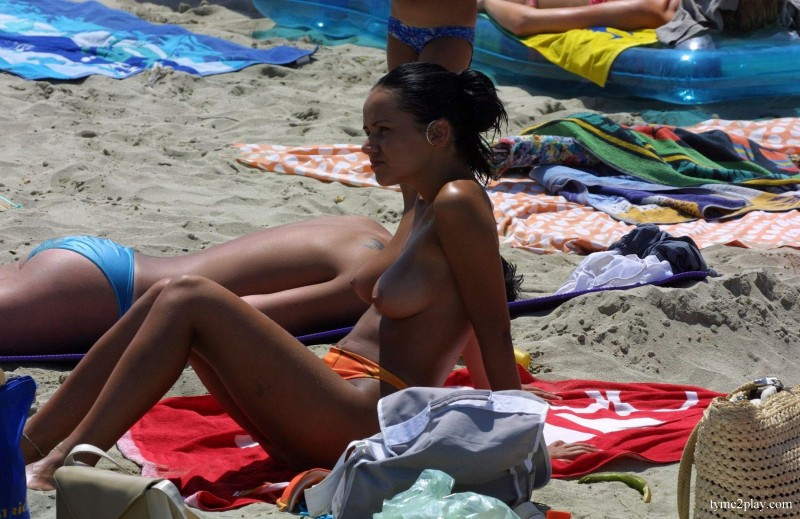 beach-girls-vol5-nudists-seaside-97