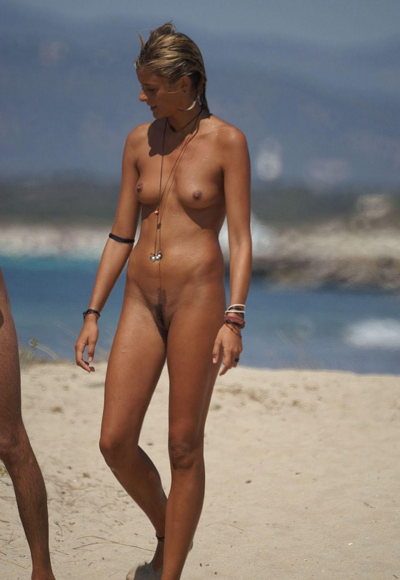 nude-beach-nudists-girls-mix-vol6-06