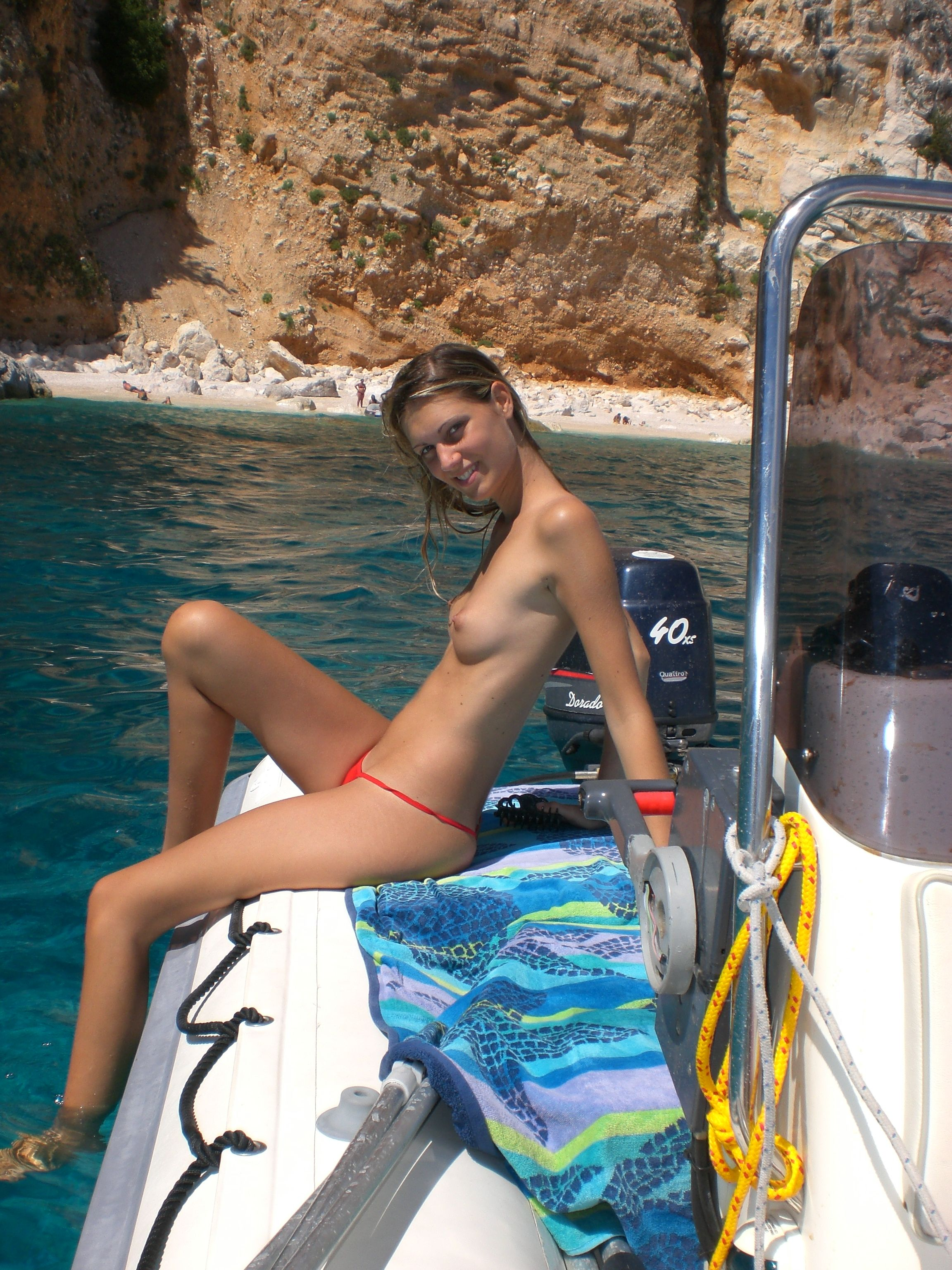 nude-beach-nudists-girls-mix-vol6-10