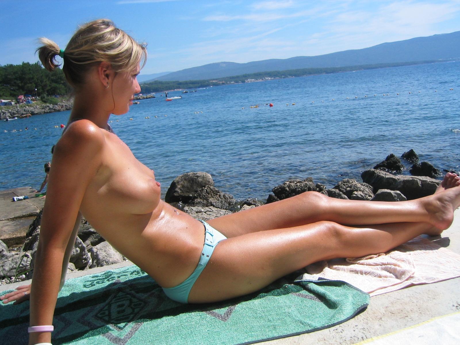 nude-beach-nudists-girls-mix-vol6-22