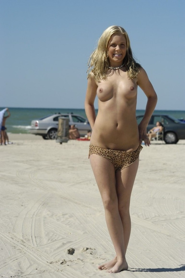 nude-beach-nudists-girls-mix-vol6-30
