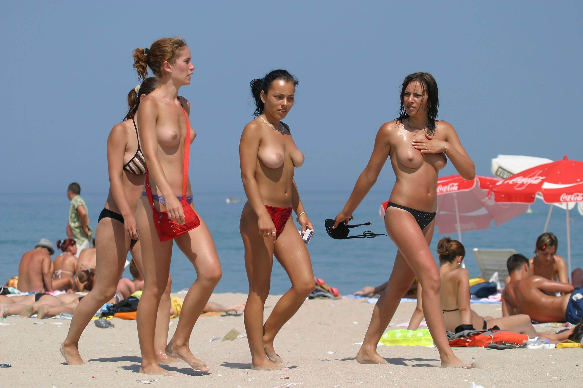 nude-beach-nudists-girls-mix-vol6-33