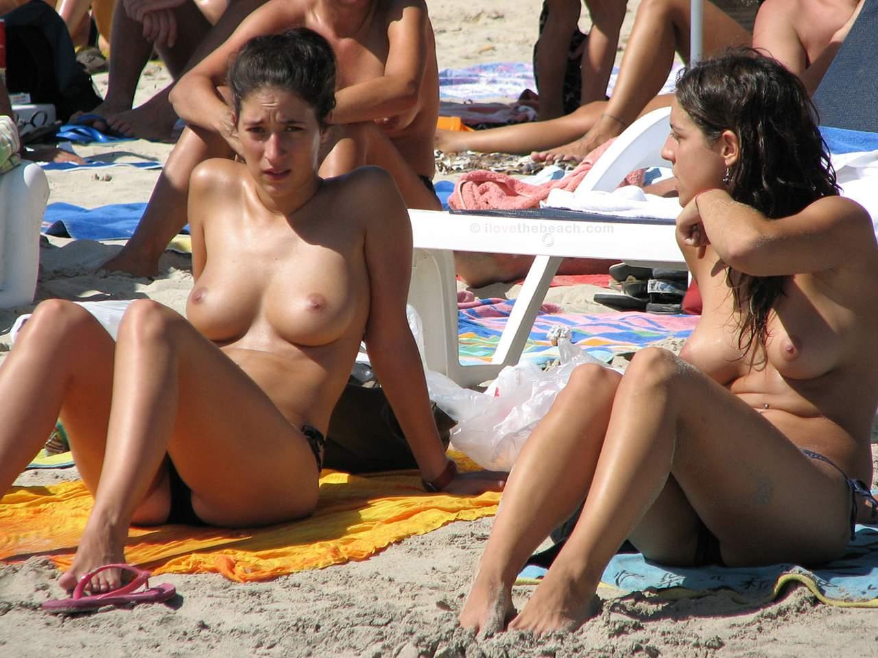 nude-beach-nudists-girls-mix-vol6-38