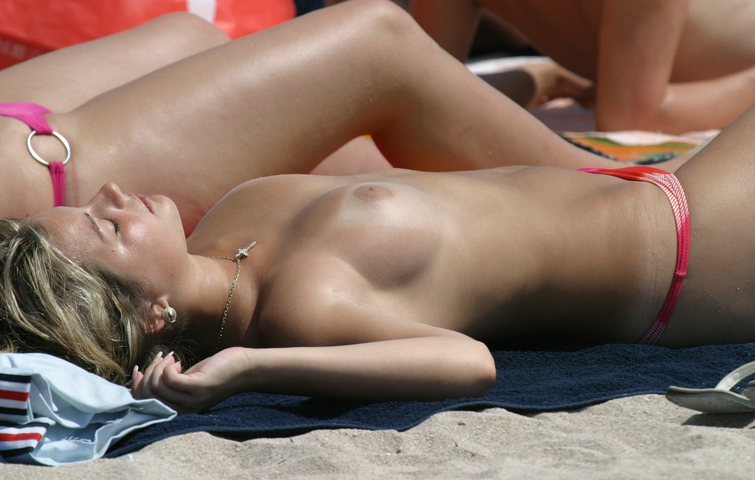 nude-beach-nudists-girls-mix-vol6-46