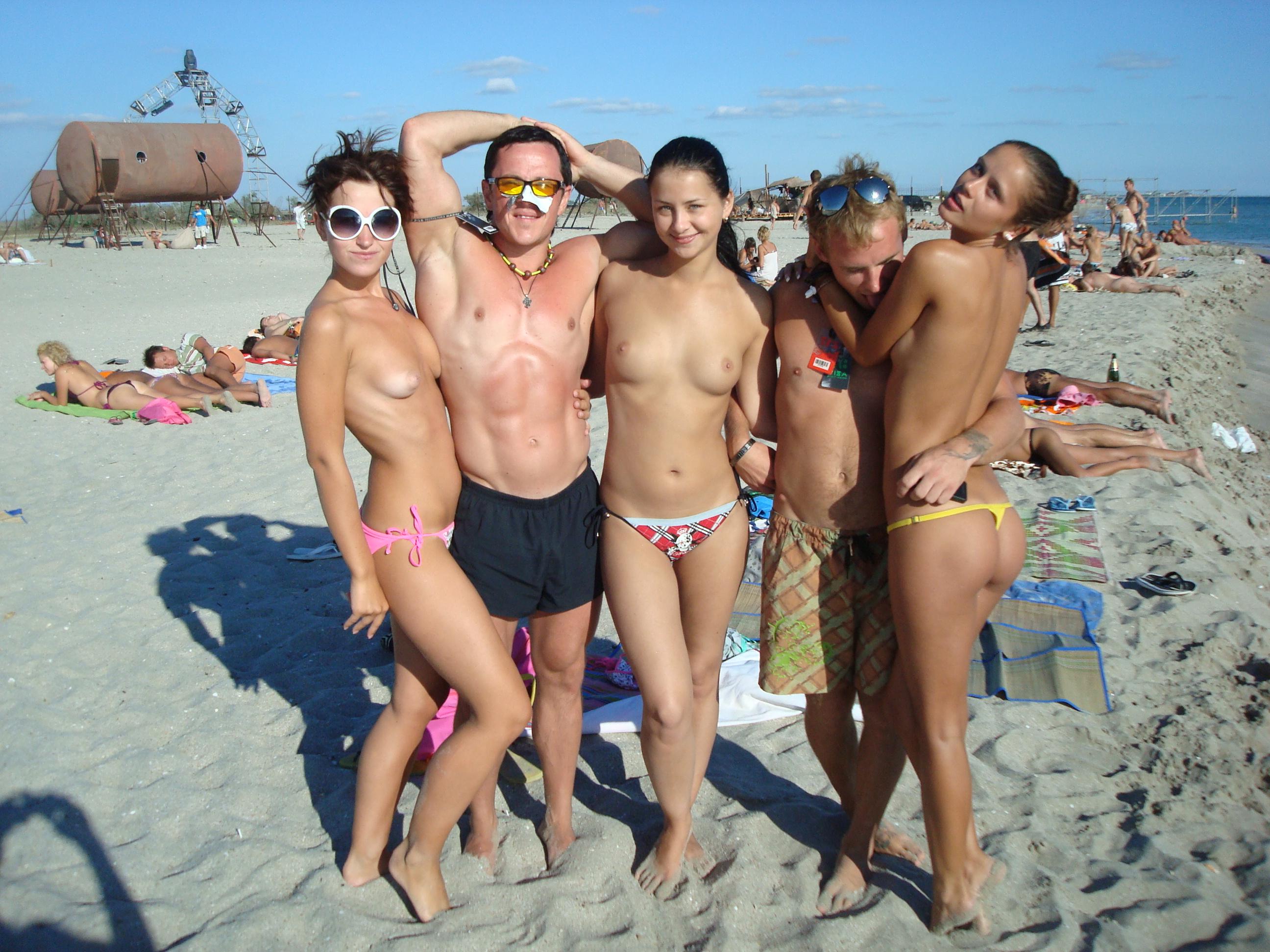 nude-beach-nudists-girls-mix-vol6-48