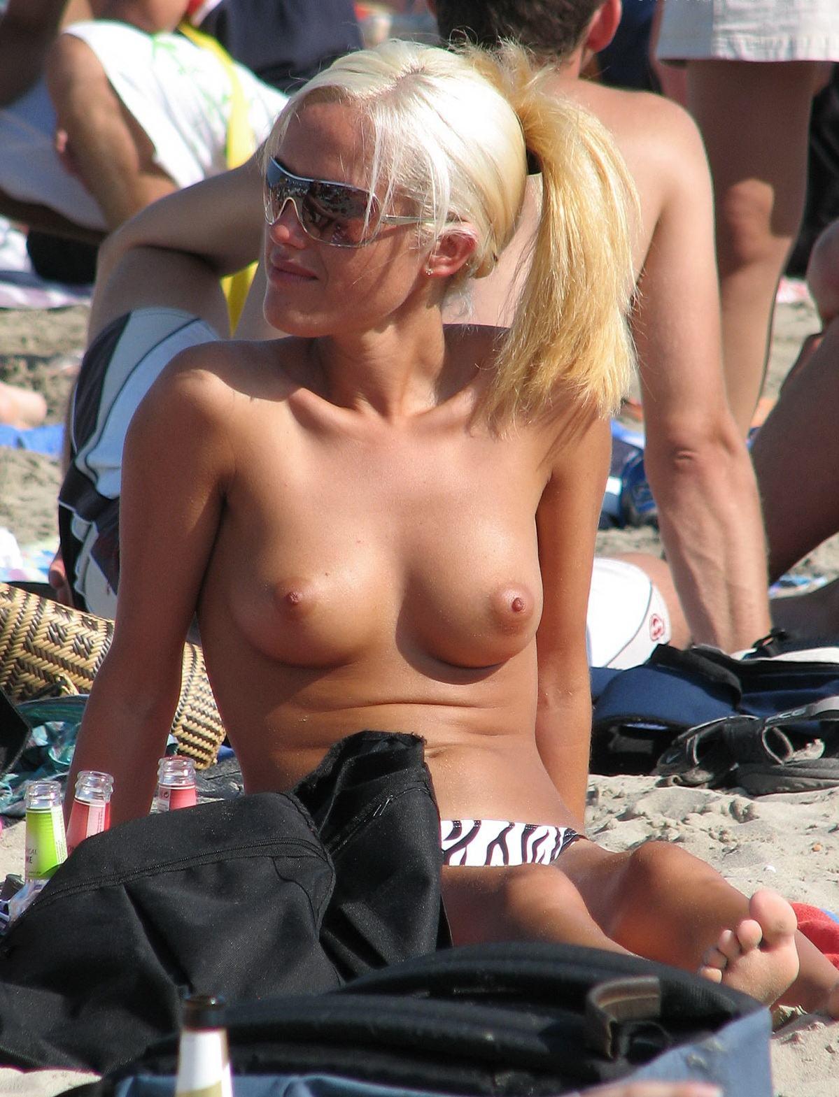 nude-beach-nudists-girls-mix-vol6-58