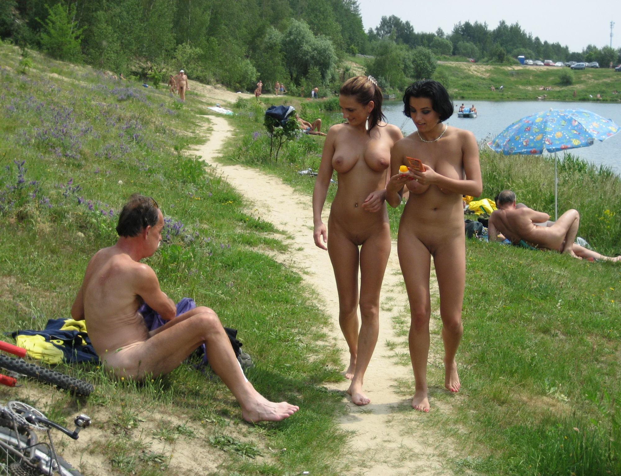 nude-beach-nudists-girls-mix-vol6-72