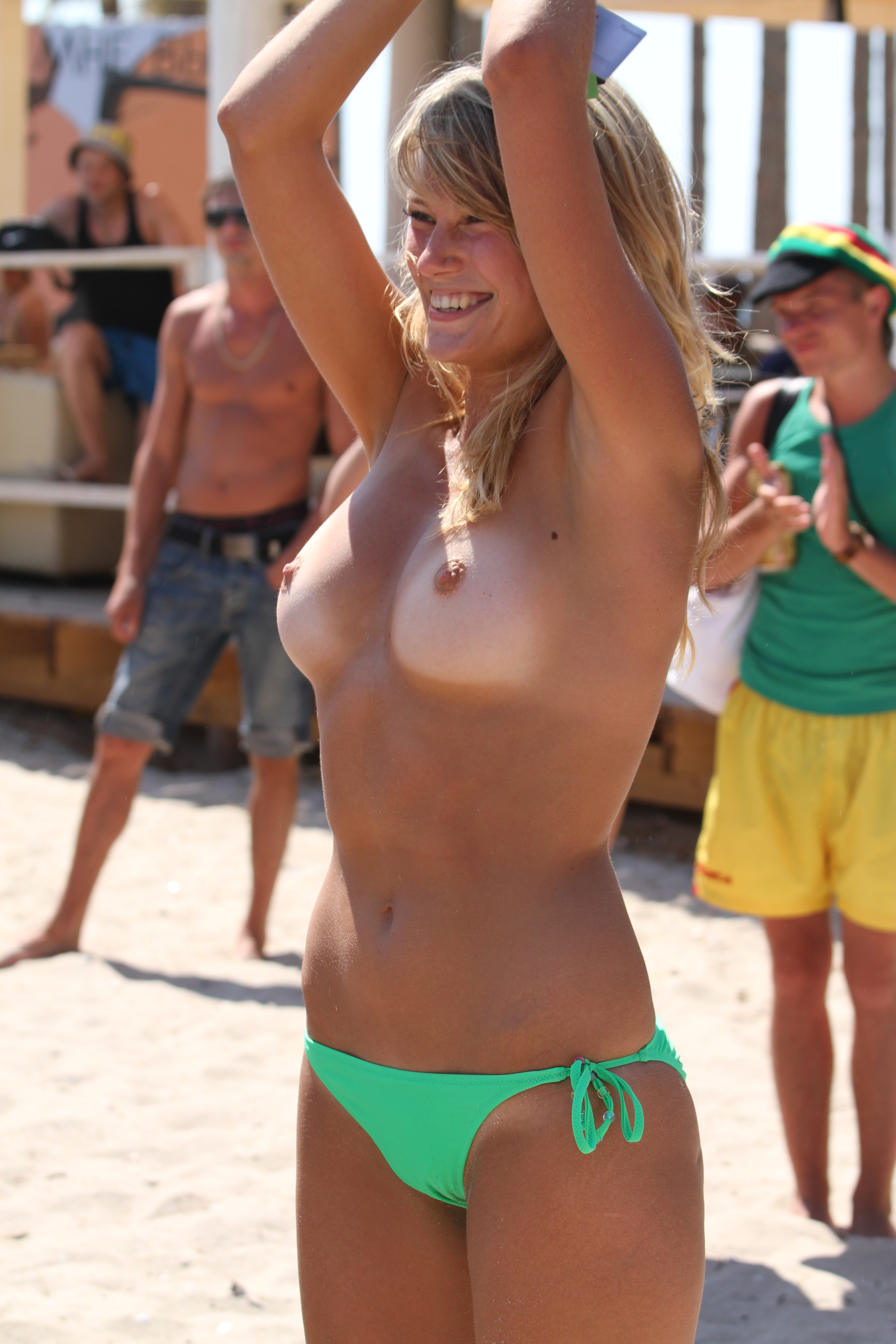 nude-beach-nudists-girls-mix-vol6-86