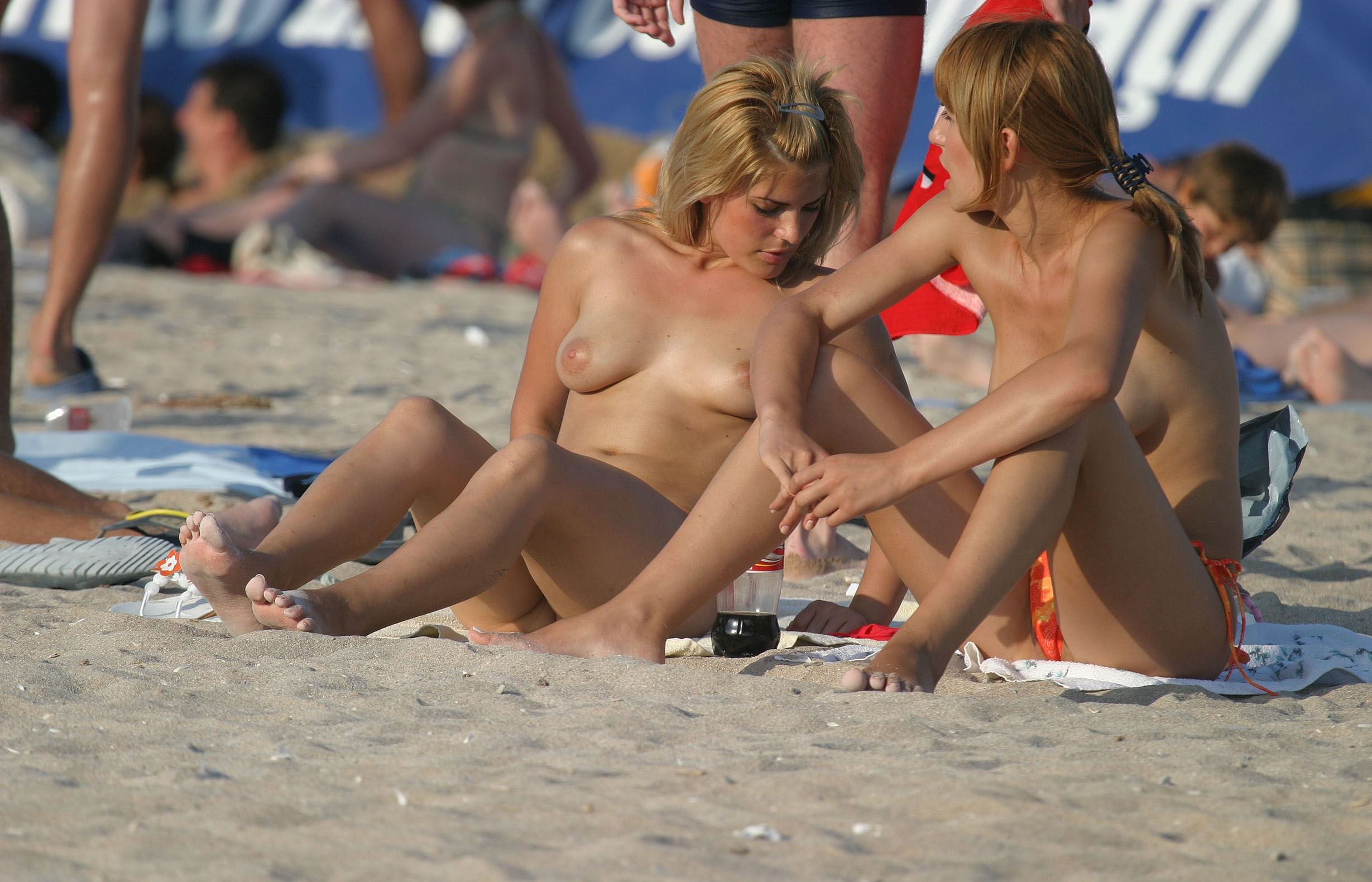 nude-beach-nudists-girls-mix-vol6-87