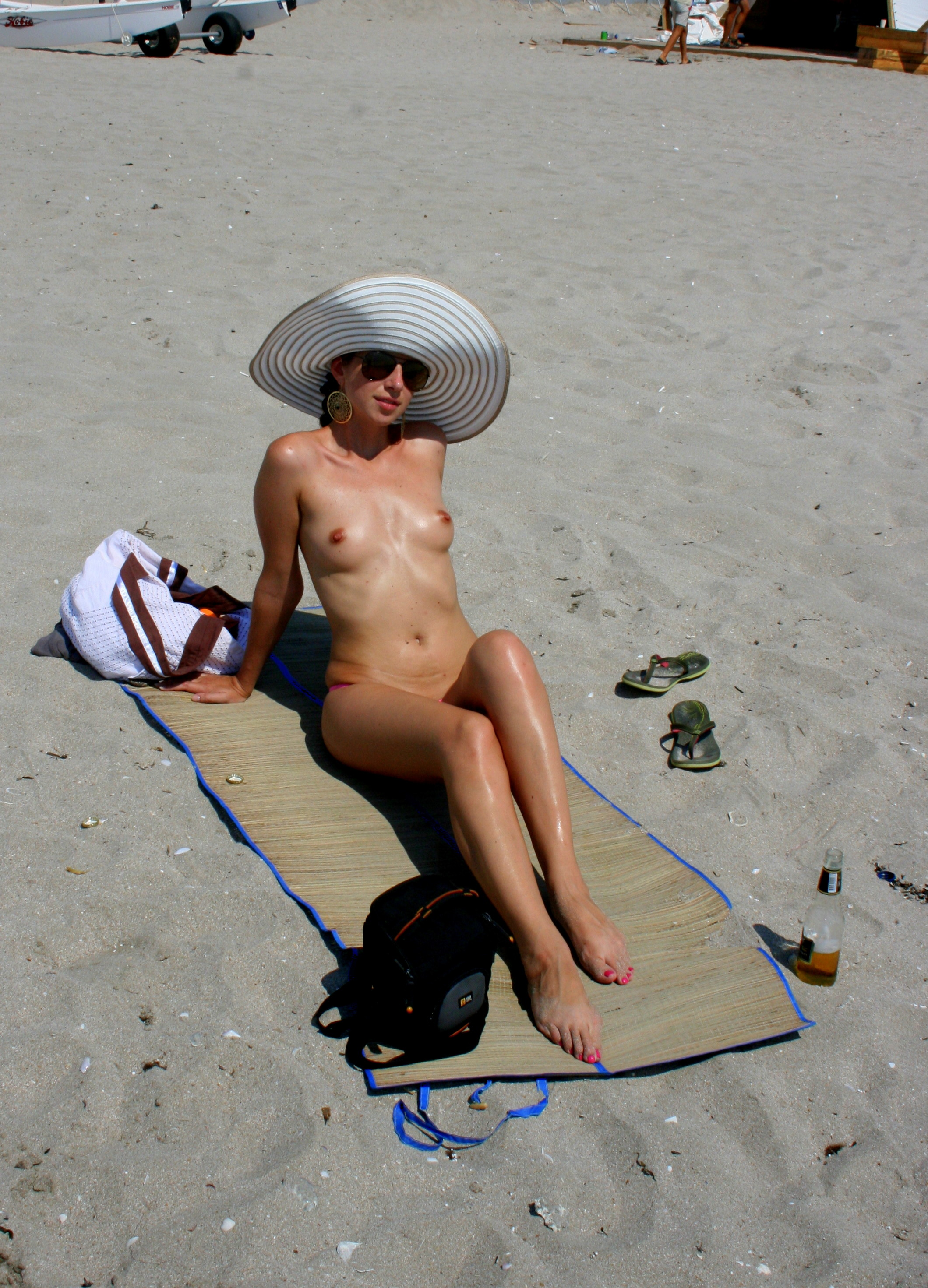 nude-beach-nudists-girls-mix-vol6-88