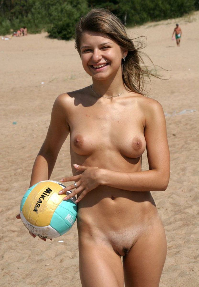 nude-beach-nudists-girls-mix-vol6-96