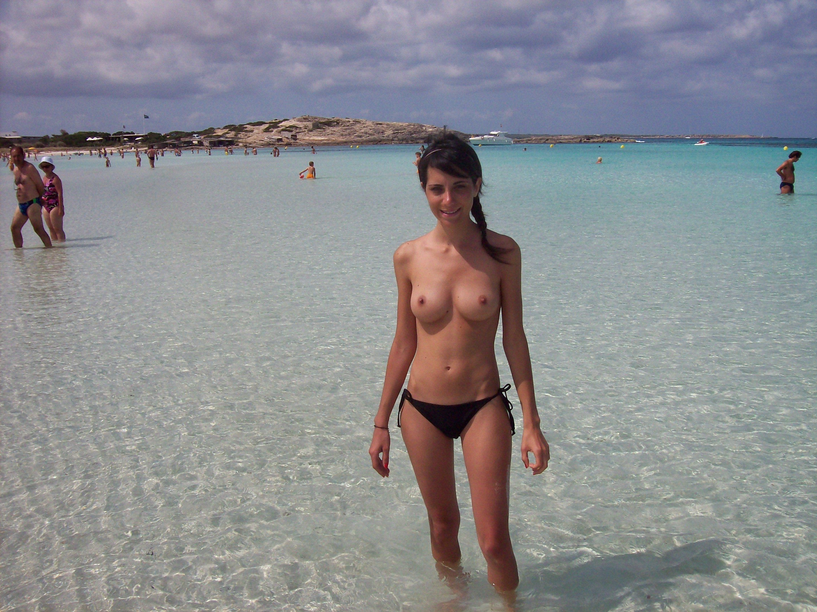 nudists-girls-boobs-beach-topless-mix-vol7-13
