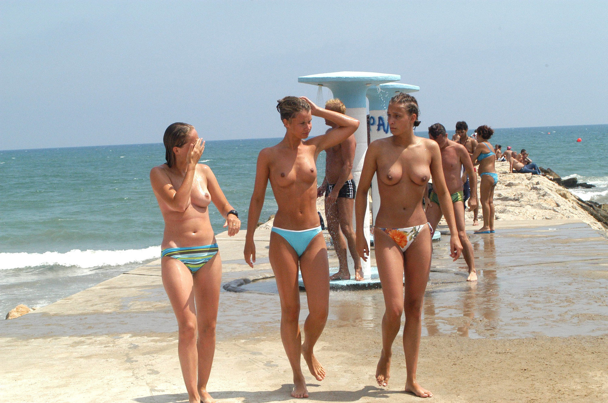 nudists-girls-boobs-beach-topless-mix-vol7-16