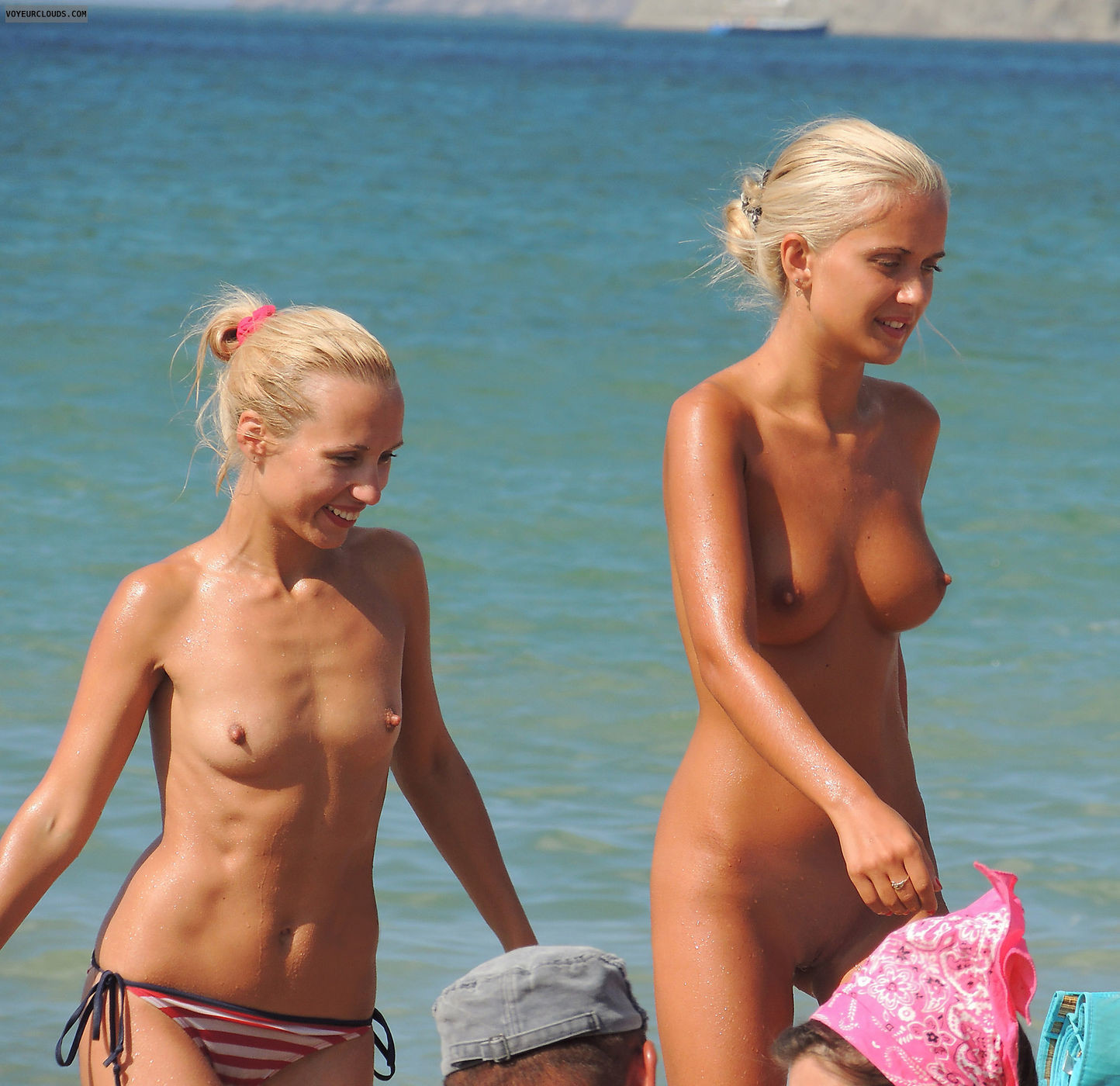 nudists-girls-boobs-beach-topless-mix-vol7-19