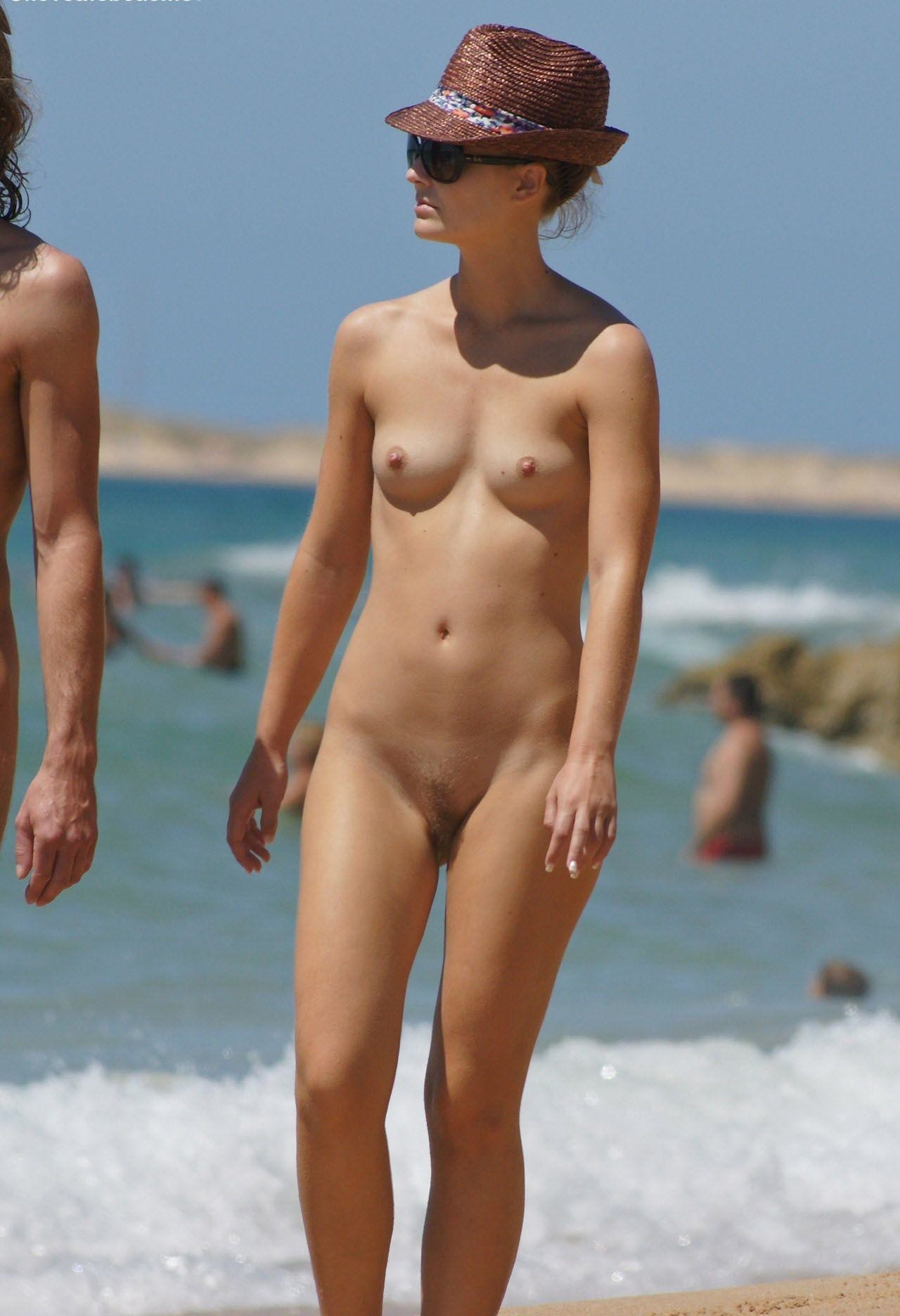 nudists-girls-boobs-beach-topless-mix-vol7-23