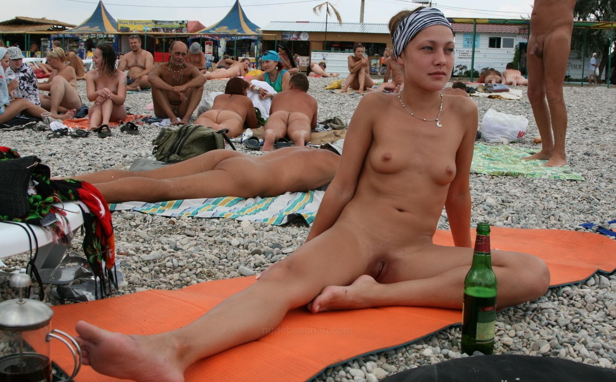 nudists-girls-boobs-beach-topless-mix-vol7-25