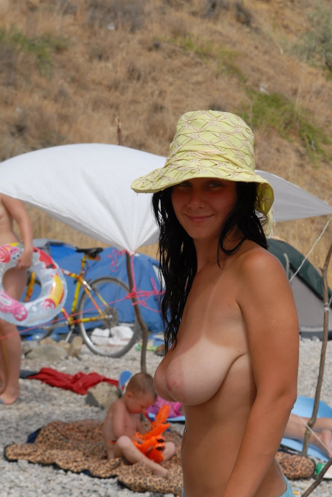 nudists-girls-boobs-beach-topless-mix-vol7-41