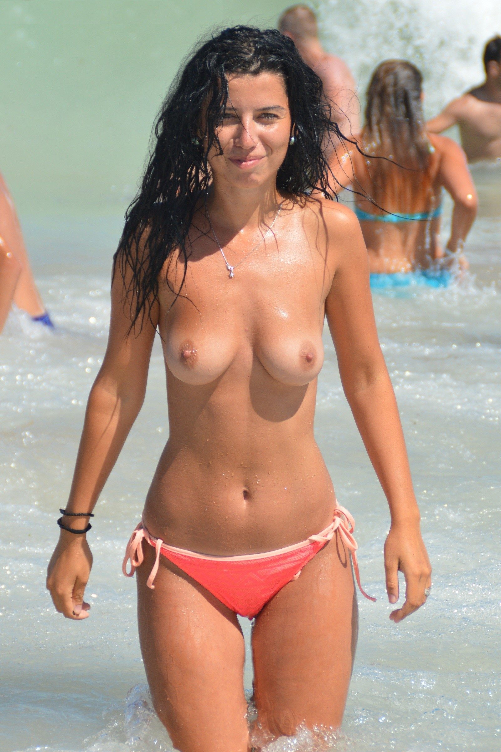 nudists-girls-boobs-beach-topless-mix-vol7-64