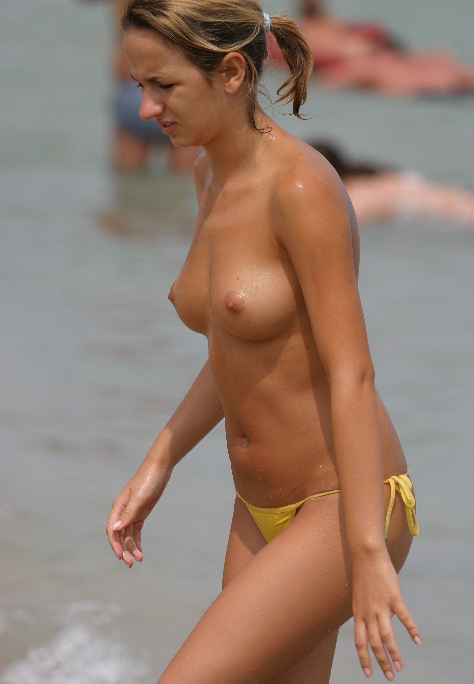 nudists-girls-boobs-beach-topless-mix-vol7-70