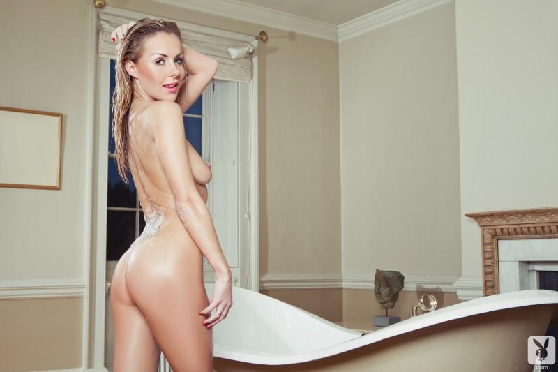 becky-roberts-bath-nude-playboy-19