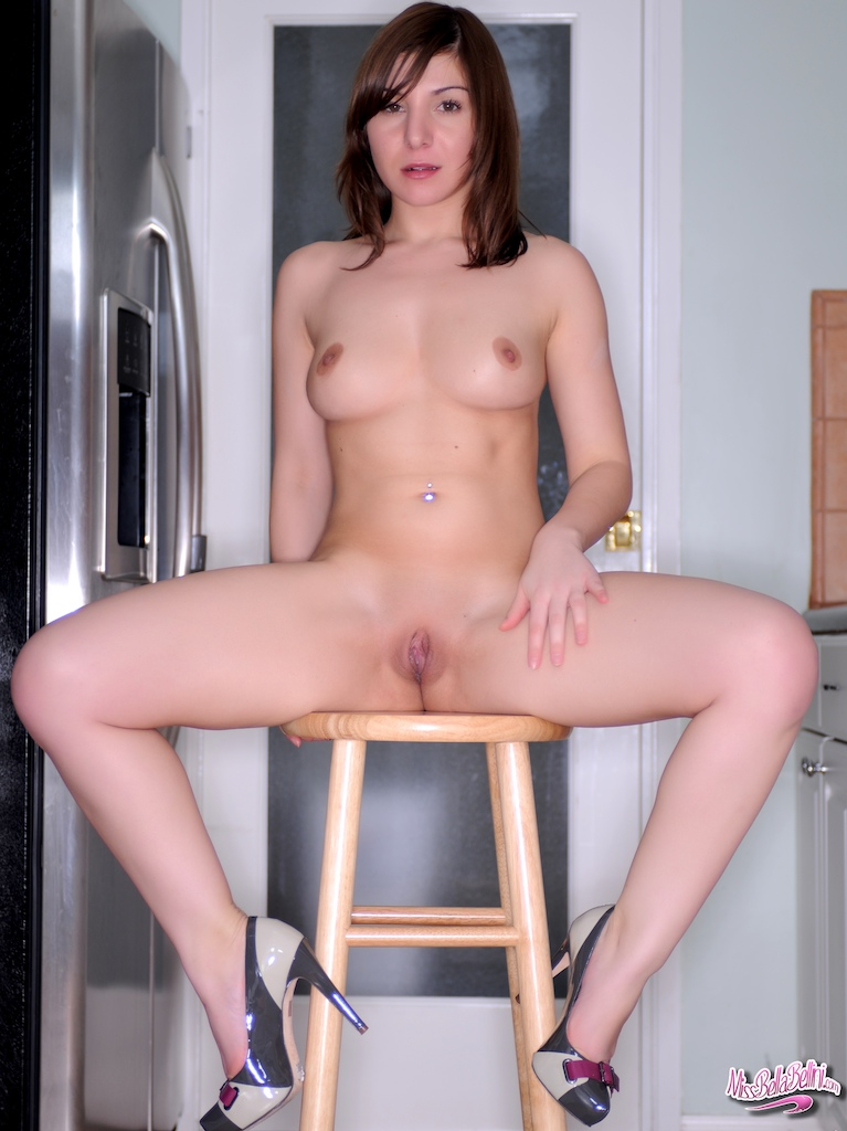 miss-bella-bellini-kitchen-stool-naked-06