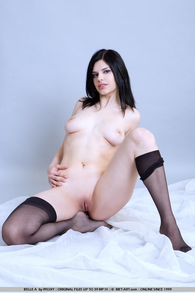 belle-a-black-stockings-metart-02