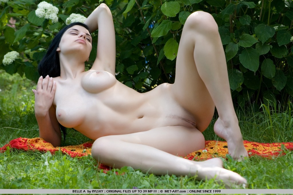 belle-a-brunette-boobs-nude-metart-03