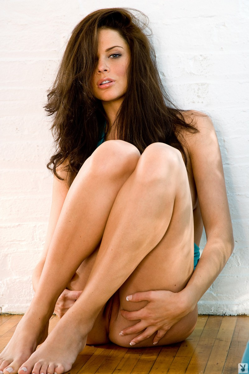 beth-williams-cyber-girl-of-the-month-january-2010-playboy-15